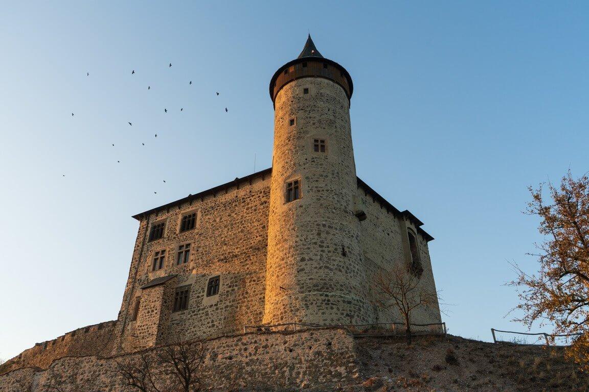 Kuneticka hora castle